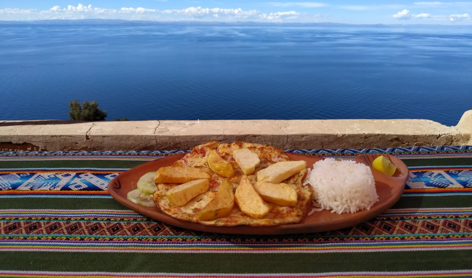 kayak-taquile-lunch