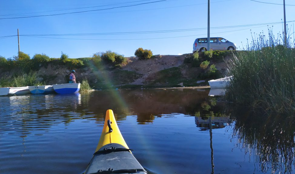uros-kayak-taquile-speed-boat-launch