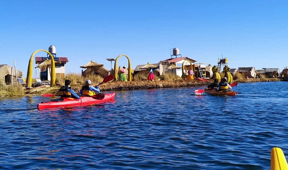 uros-kayaking